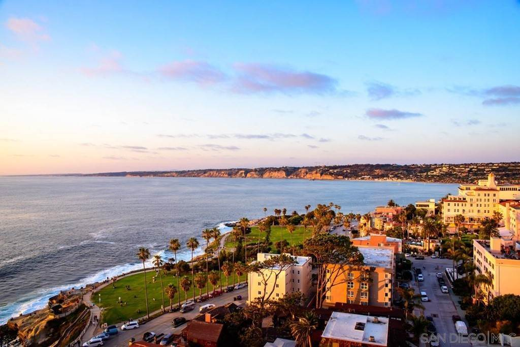 5. Residential Lease for Sale at Coast Blvd La Jolla, California 92037 United States