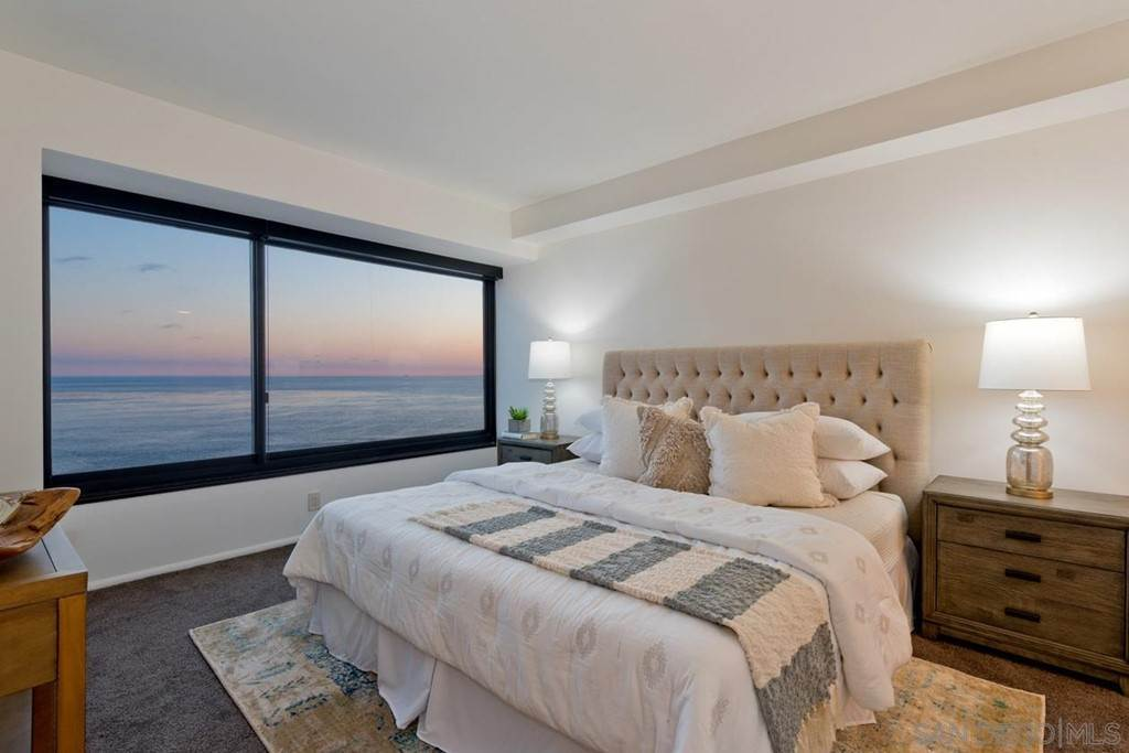7. Residential Lease for Sale at Coast Blvd La Jolla, California 92037 United States