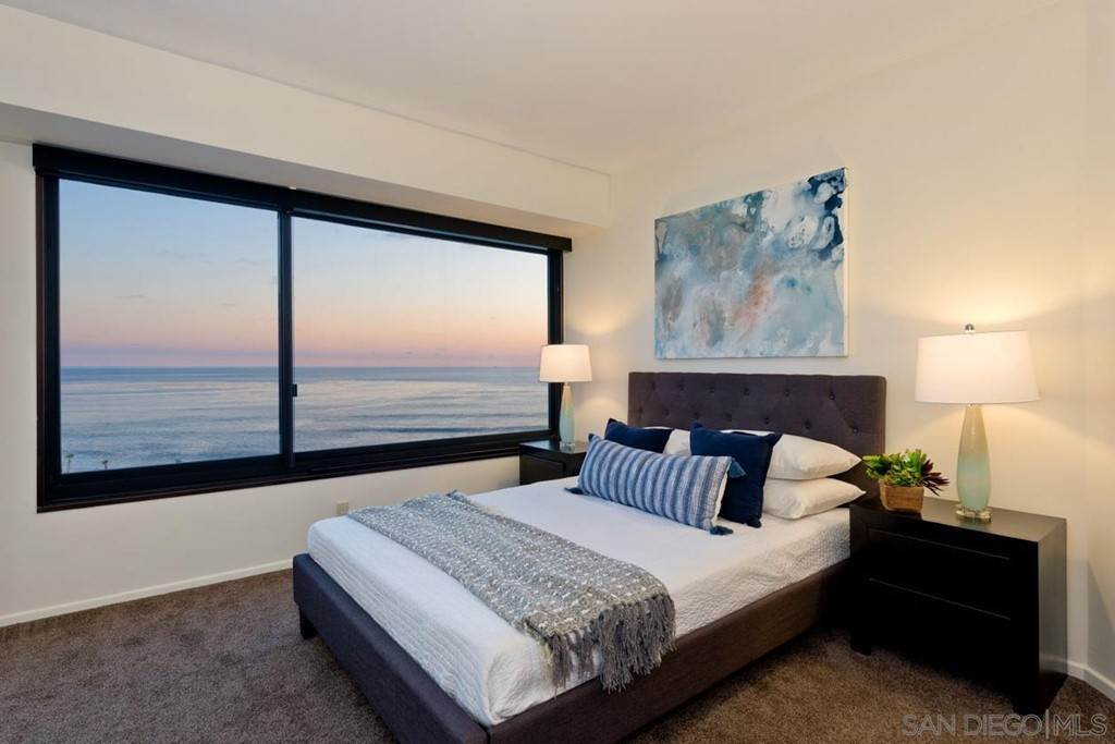 8. Residential Lease for Sale at Coast Blvd La Jolla, California 92037 United States