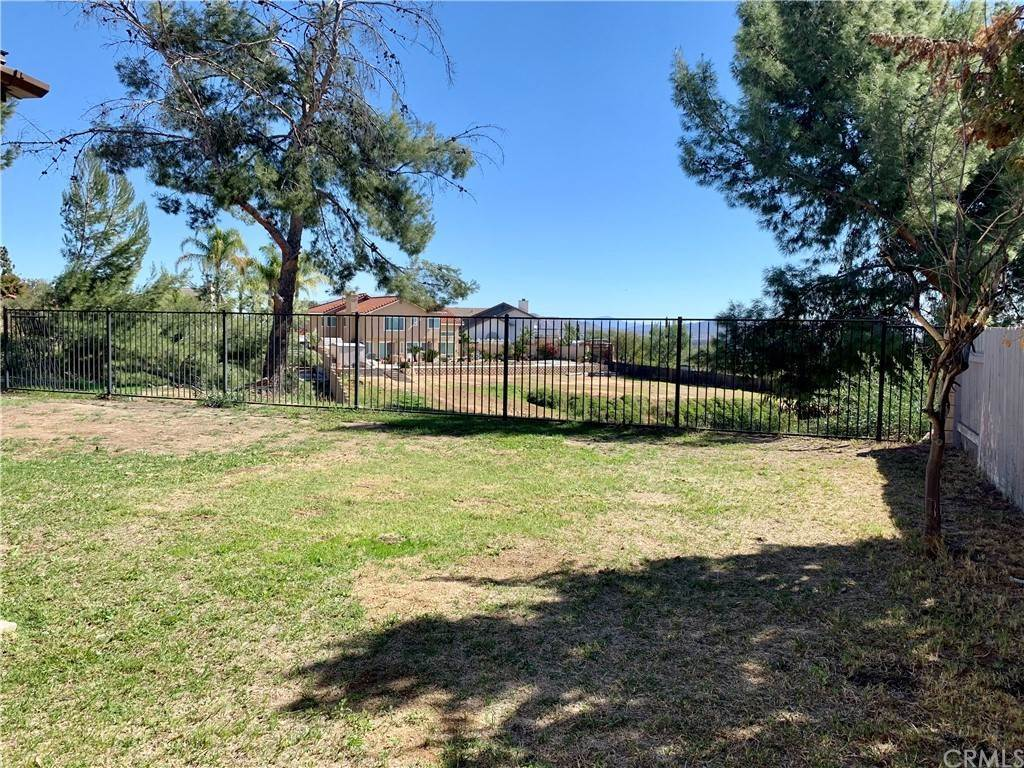 29. Residential for Sale at Climbing Rose Drive Moreno Valley, California 92557 United States