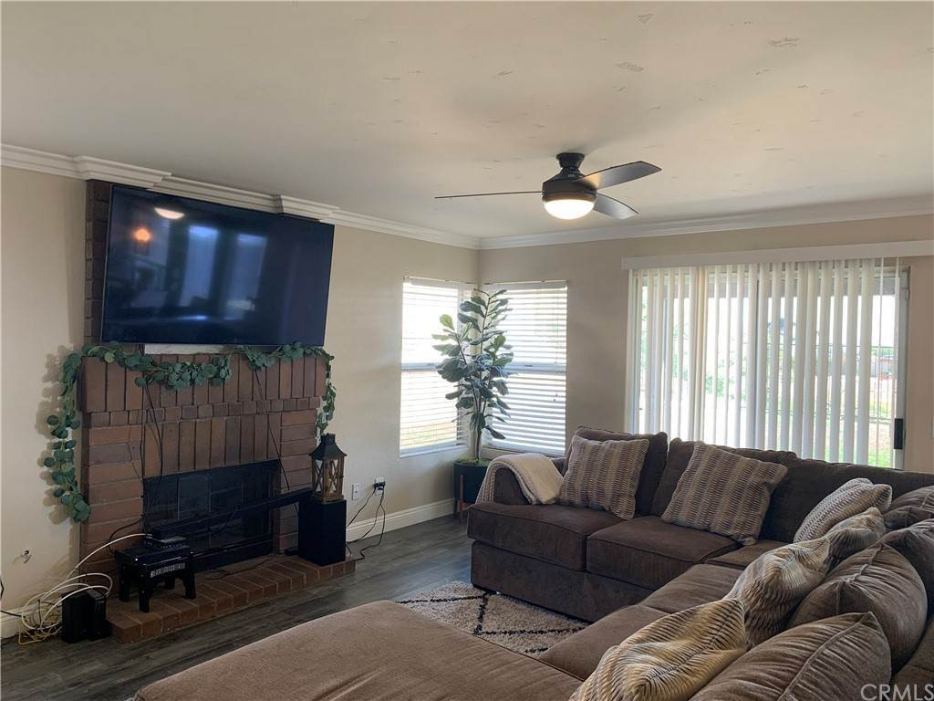 5. Residential for Sale at Climbing Rose Drive Moreno Valley, California 92557 United States