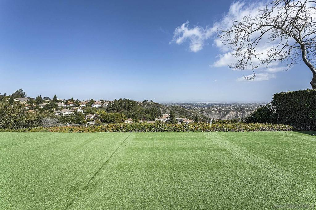 14. Residential for Sale at Soledad Mountain Road La Jolla, California 92037 United States