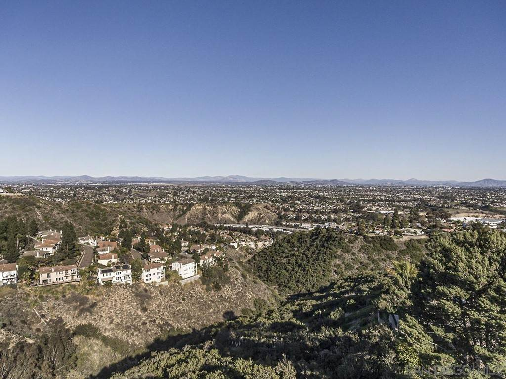 17. Residential for Sale at Soledad Mountain Road La Jolla, California 92037 United States
