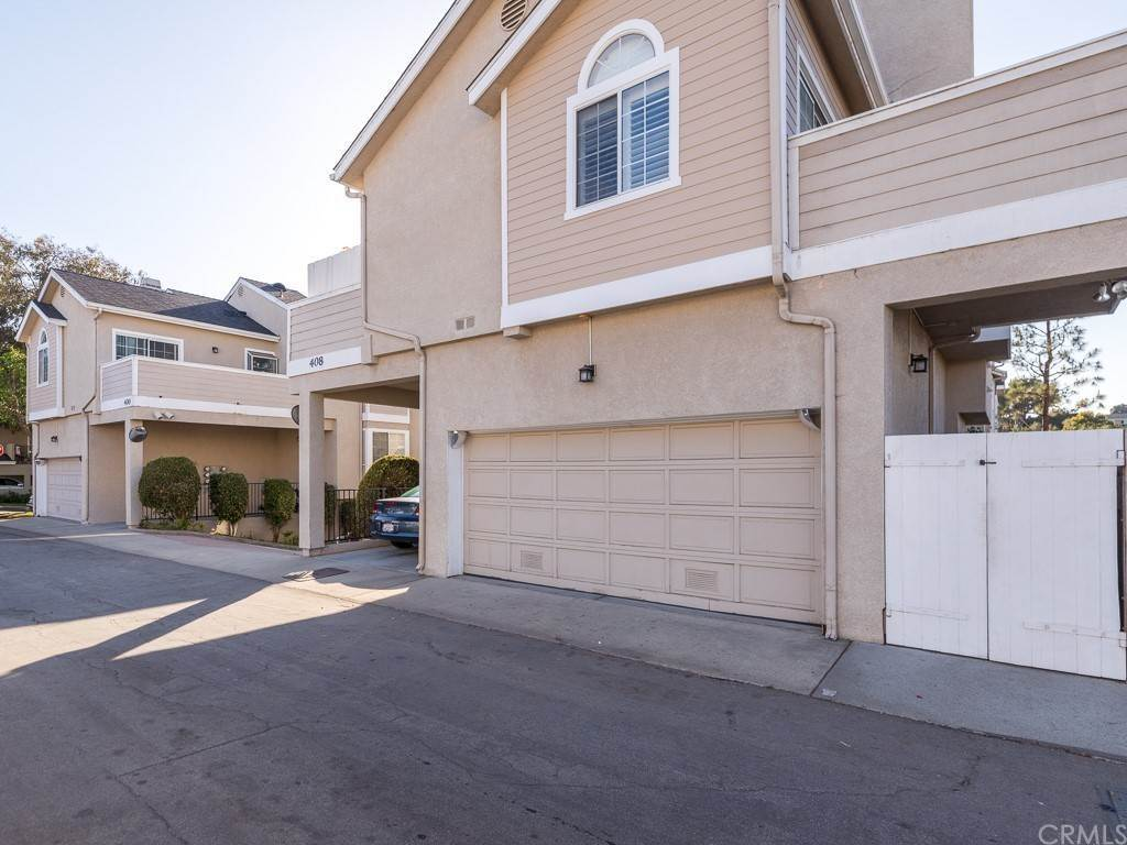 22. Residential for Sale at Richmond Street El Segundo, California 90245 United States