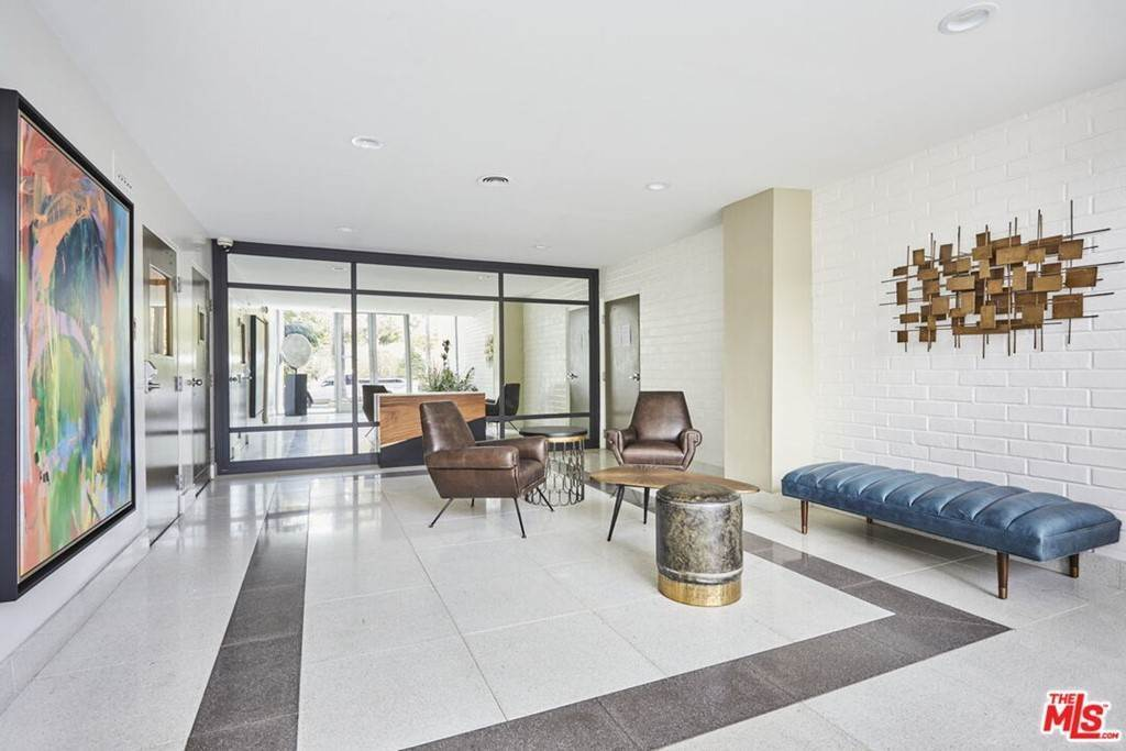 6. Residential for Sale at Hollywood Boulevard Los Angeles, California 90046 United States