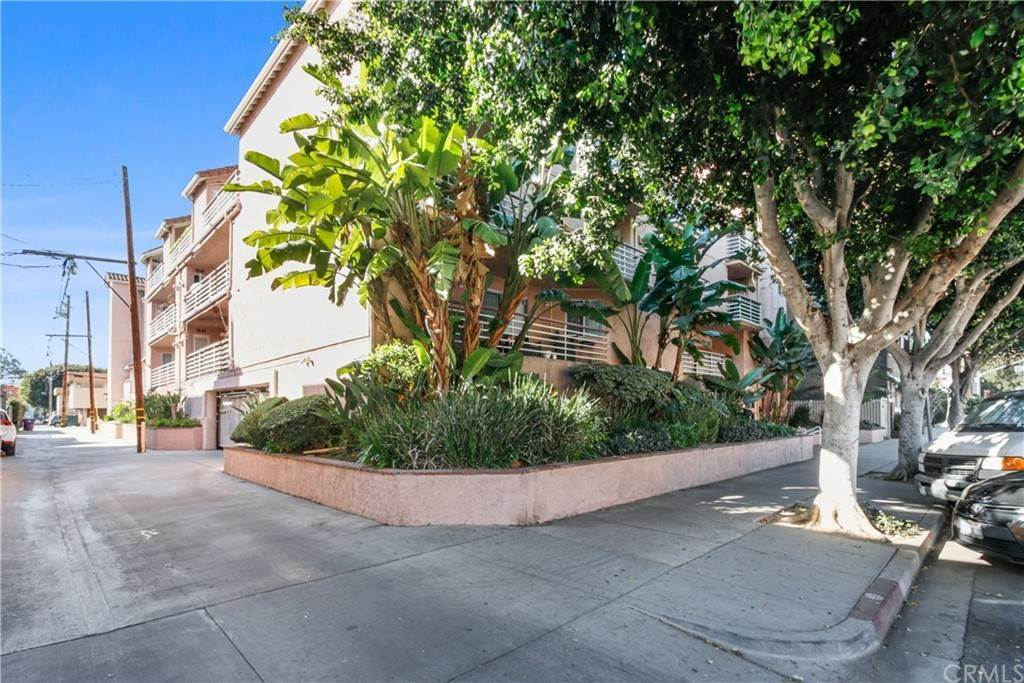 21. Residential for Sale at Chestnut Avenue Long Beach, California 90802 United States