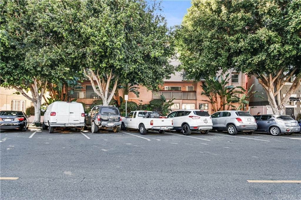 22. Residential for Sale at Chestnut Avenue Long Beach, California 90802 United States
