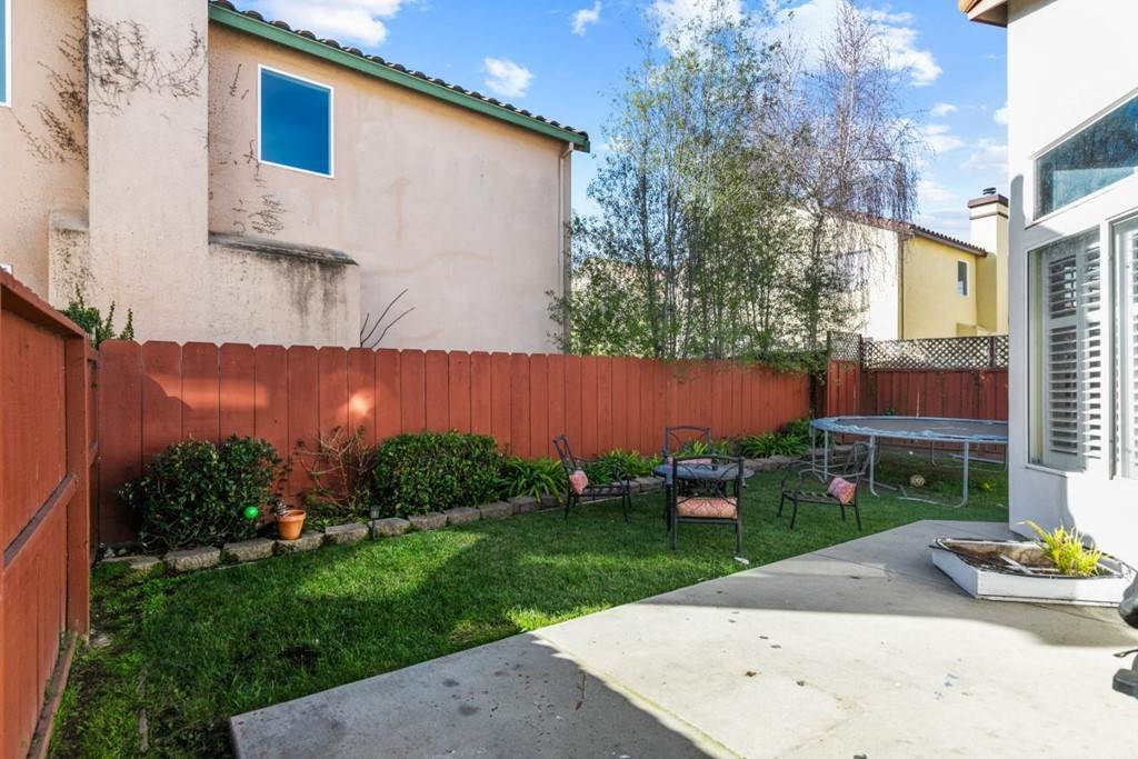 27. Residential for Sale at Little River Drive Salinas, California 93906 United States