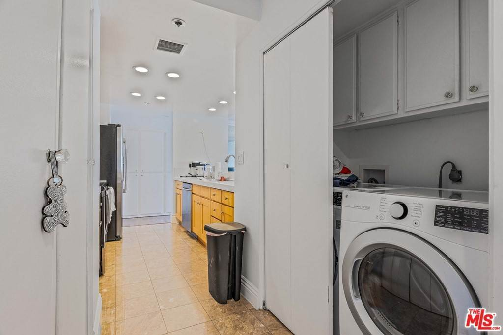 11. Residential for Sale at W 9Th Street Los Angeles, California 90015 United States