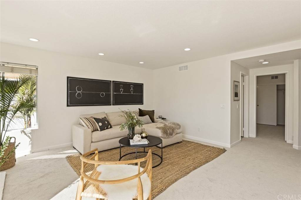13. Residential for Sale at Danforth Avenue Laguna Niguel, California 92677 United States