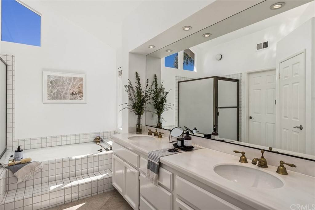 25. Residential for Sale at Danforth Avenue Laguna Niguel, California 92677 United States