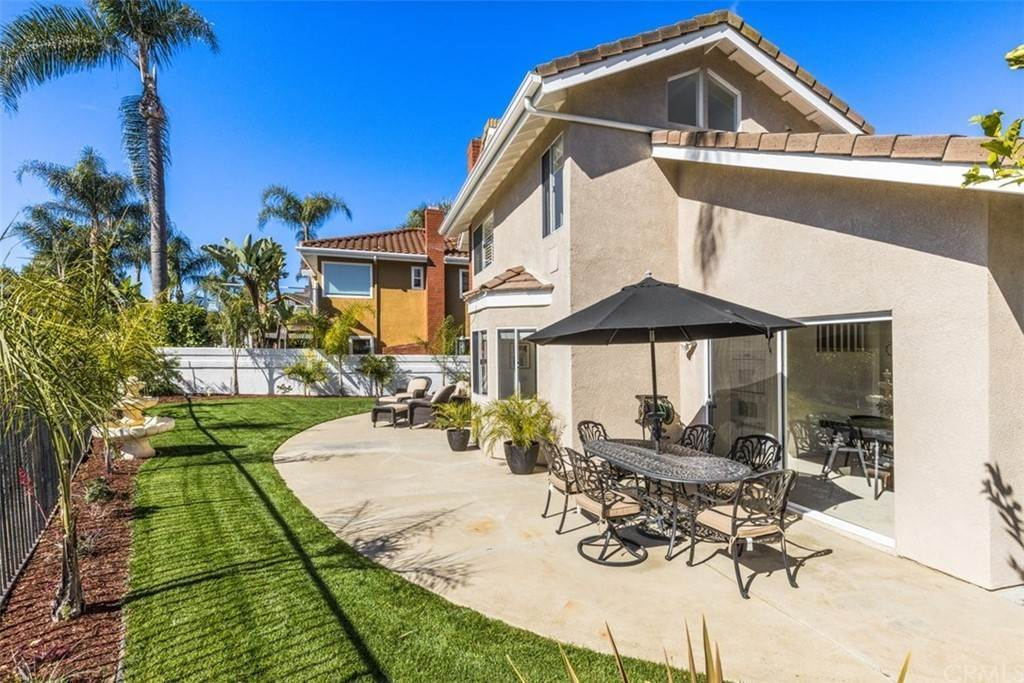 35. Residential for Sale at Danforth Avenue Laguna Niguel, California 92677 United States