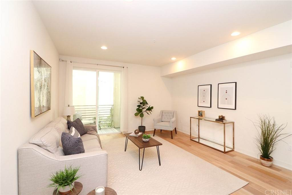12. Residential for Sale at S Virgil Avenue Los Angeles, California 90020 United States