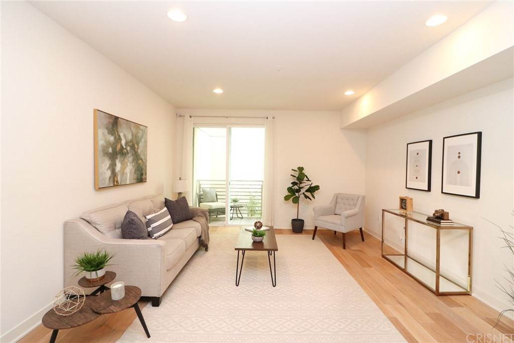 15. Residential for Sale at S Virgil Avenue Los Angeles, California 90020 United States