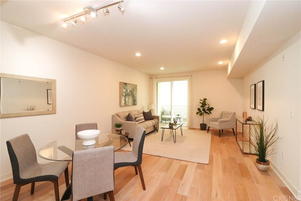20. Residential for Sale at S Virgil Avenue Los Angeles, California 90020 United States