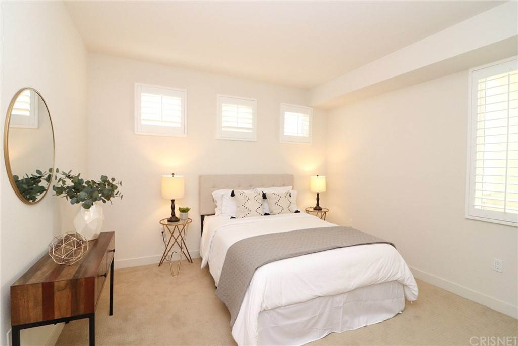 26. Residential for Sale at S Virgil Avenue Los Angeles, California 90020 United States