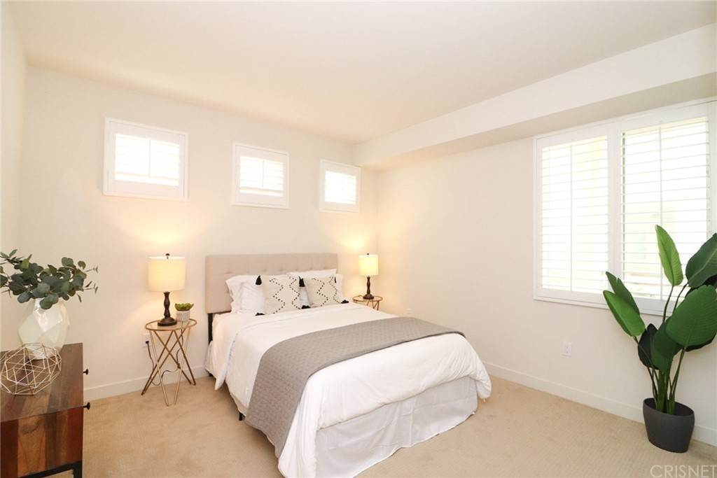 28. Residential for Sale at S Virgil Avenue Los Angeles, California 90020 United States