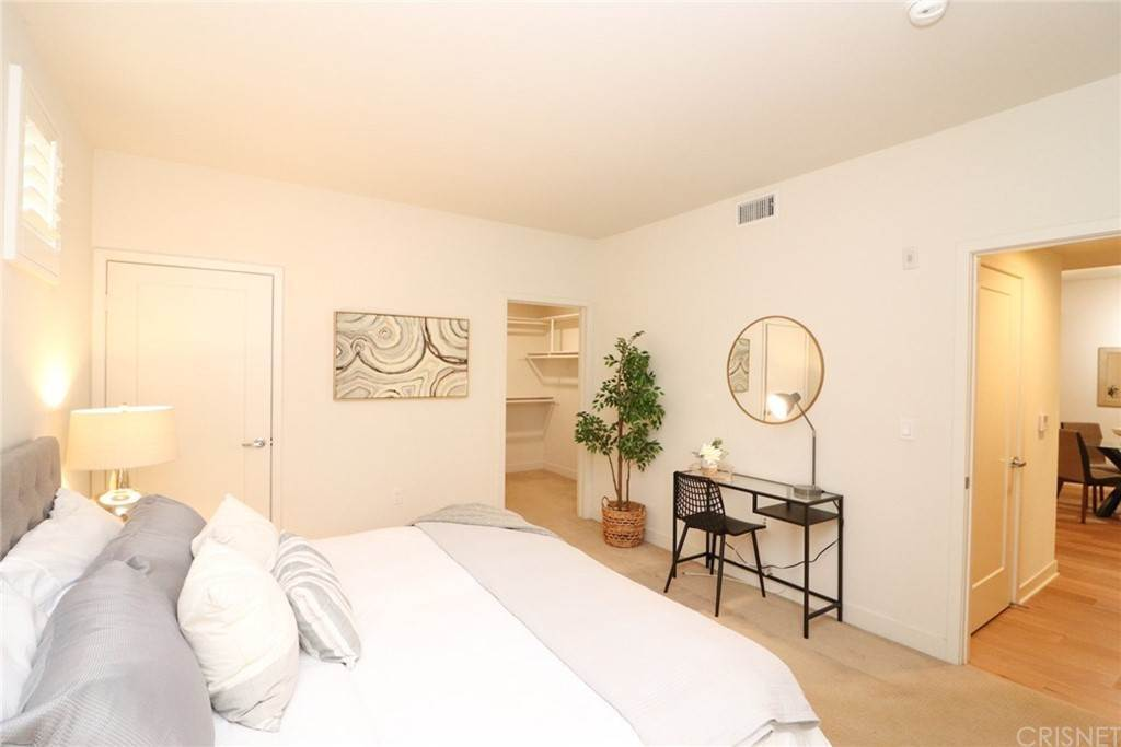 31. Residential for Sale at S Virgil Avenue Los Angeles, California 90020 United States