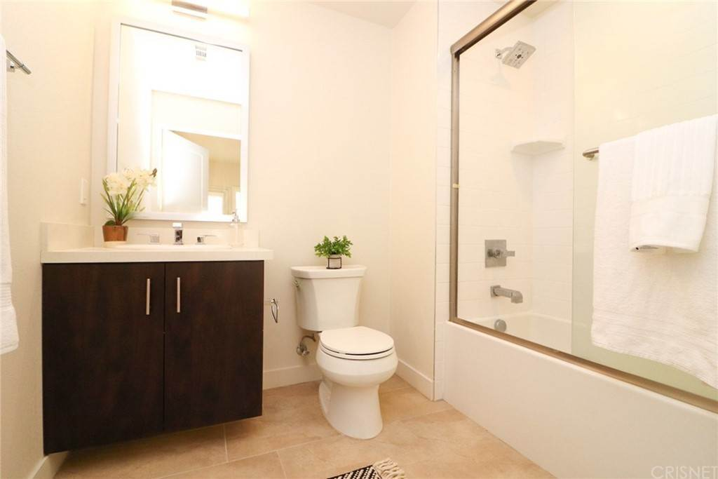 32. Residential for Sale at S Virgil Avenue Los Angeles, California 90020 United States