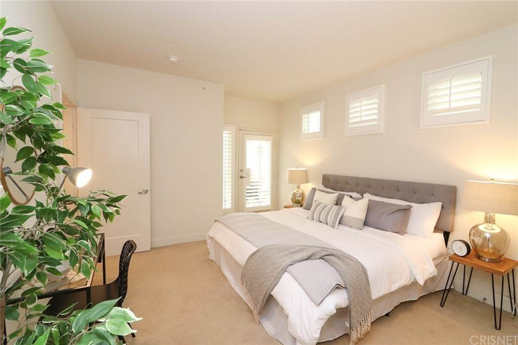 34. Residential for Sale at S Virgil Avenue Los Angeles, California 90020 United States