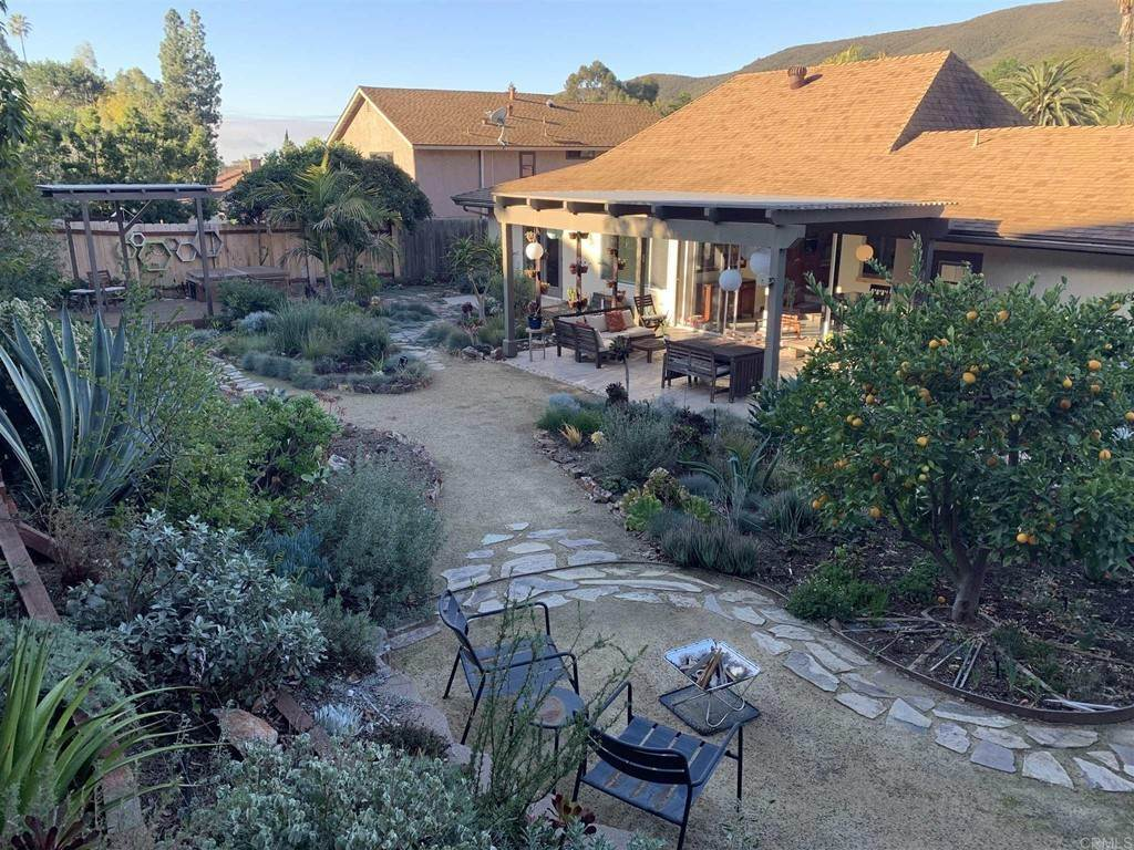 30. Residential for Sale at Del Diablo Lane San Diego, California 92129 United States