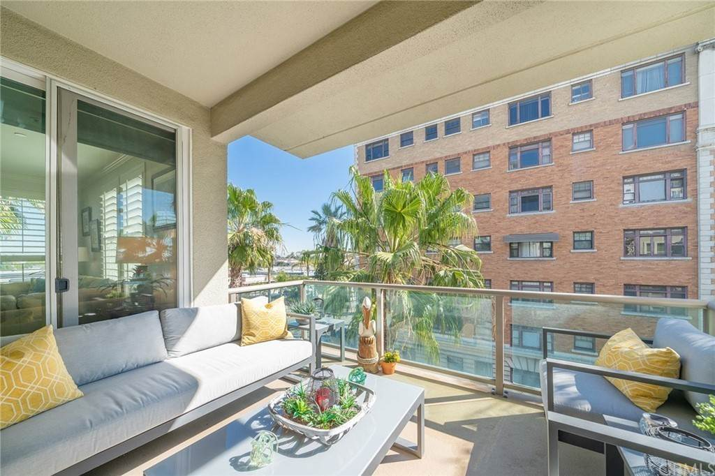 26. Residential for Sale at E Ocean Boulevard Long Beach, California 90802 United States