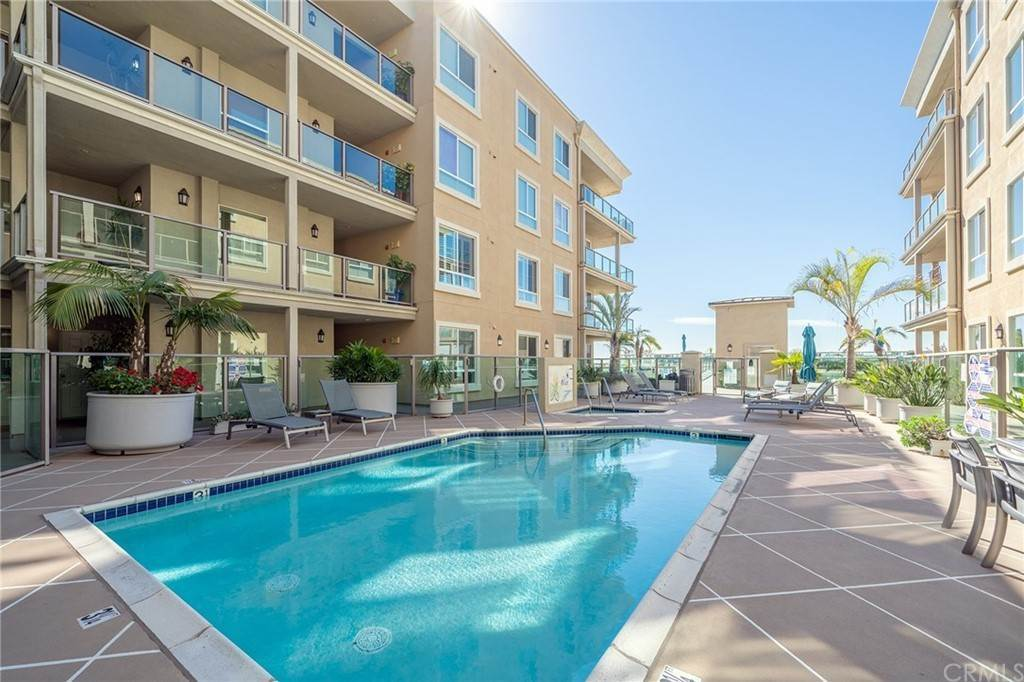 28. Residential for Sale at E Ocean Boulevard Long Beach, California 90802 United States