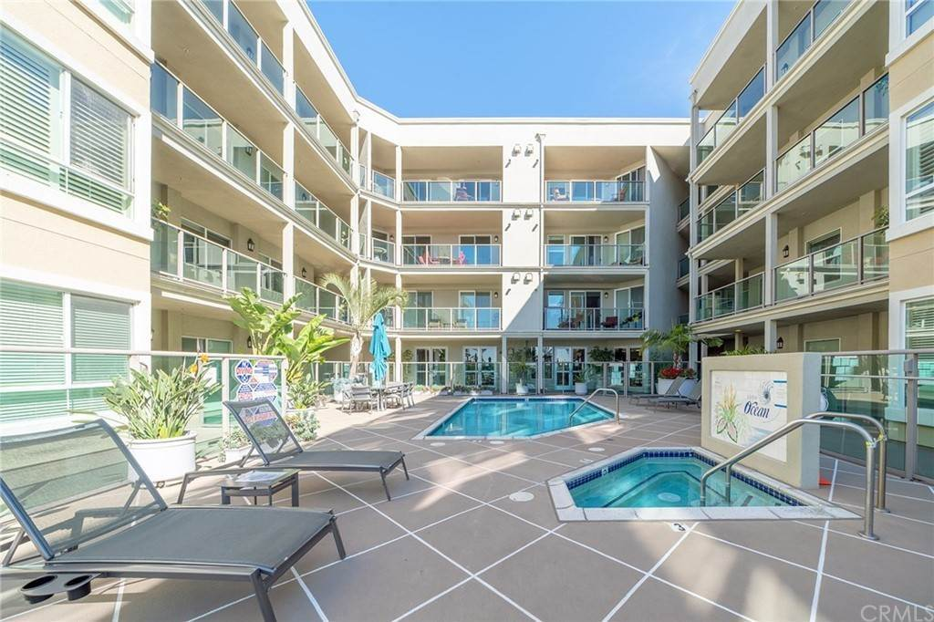 29. Residential for Sale at E Ocean Boulevard Long Beach, California 90802 United States