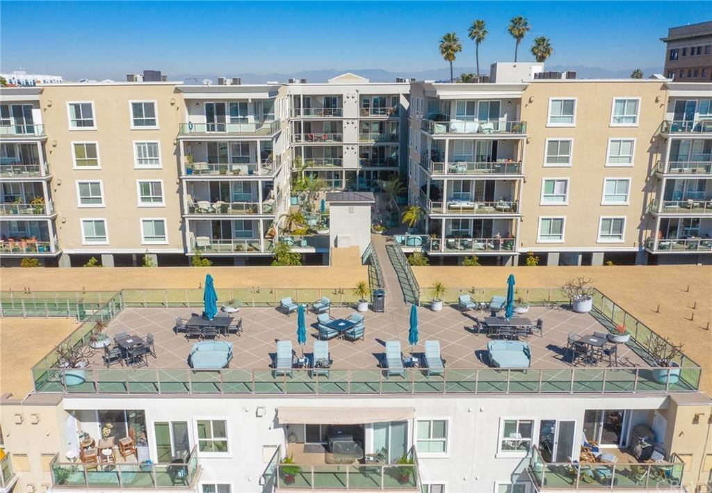 40. Residential for Sale at E Ocean Boulevard Long Beach, California 90802 United States