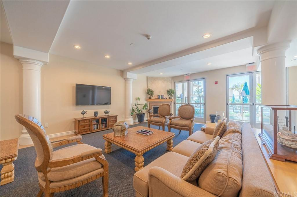 41. Residential for Sale at E Ocean Boulevard Long Beach, California 90802 United States