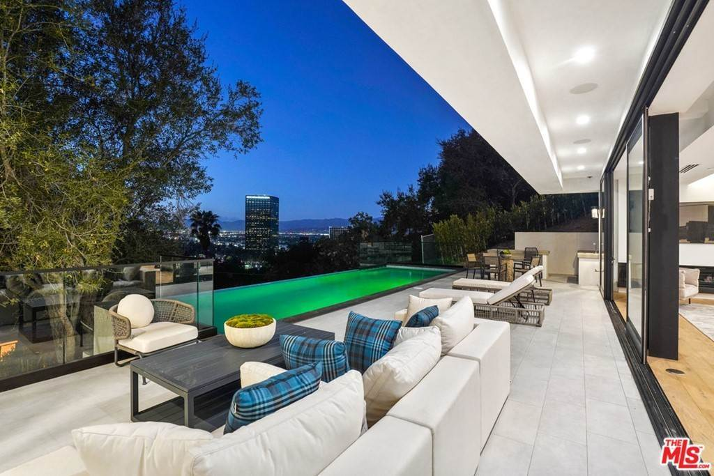 Residential for Sale at Multiview Drive Los Angeles, California 90068 United States
