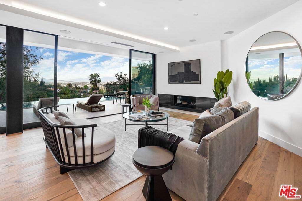 11. Residential for Sale at Multiview Drive Los Angeles, California 90068 United States