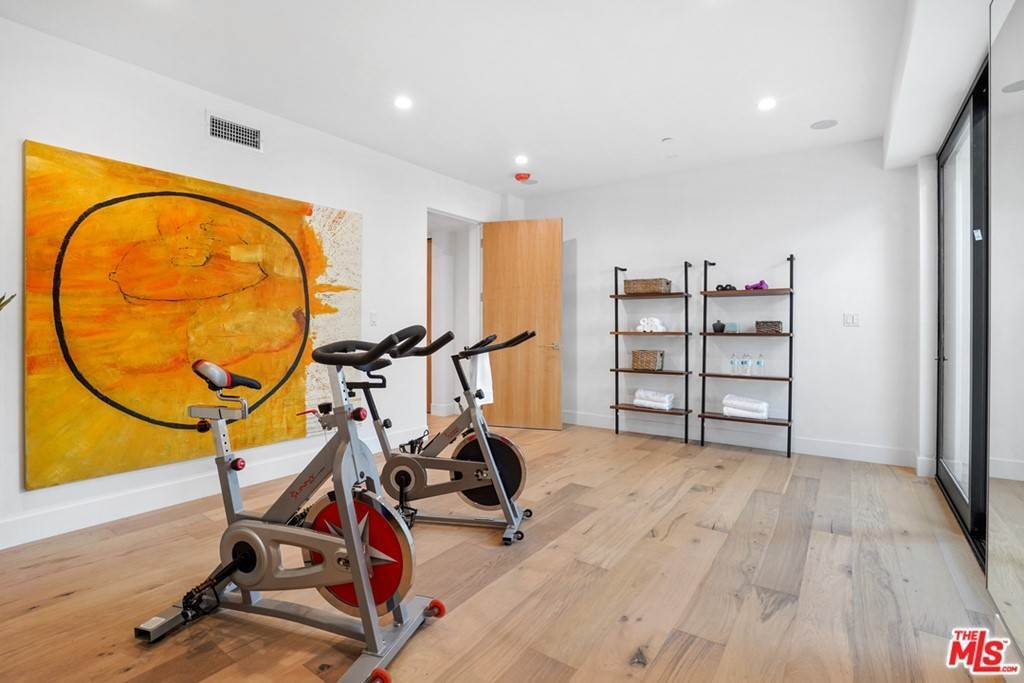 45. Residential for Sale at Multiview Drive Los Angeles, California 90068 United States