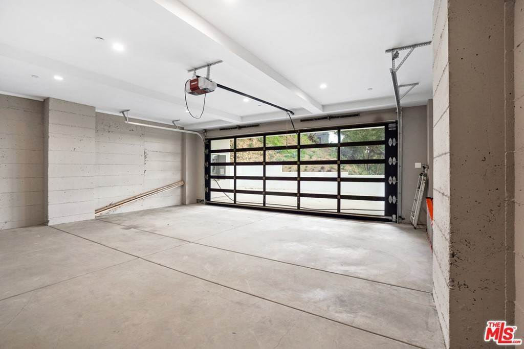 47. Residential for Sale at Multiview Drive Los Angeles, California 90068 United States