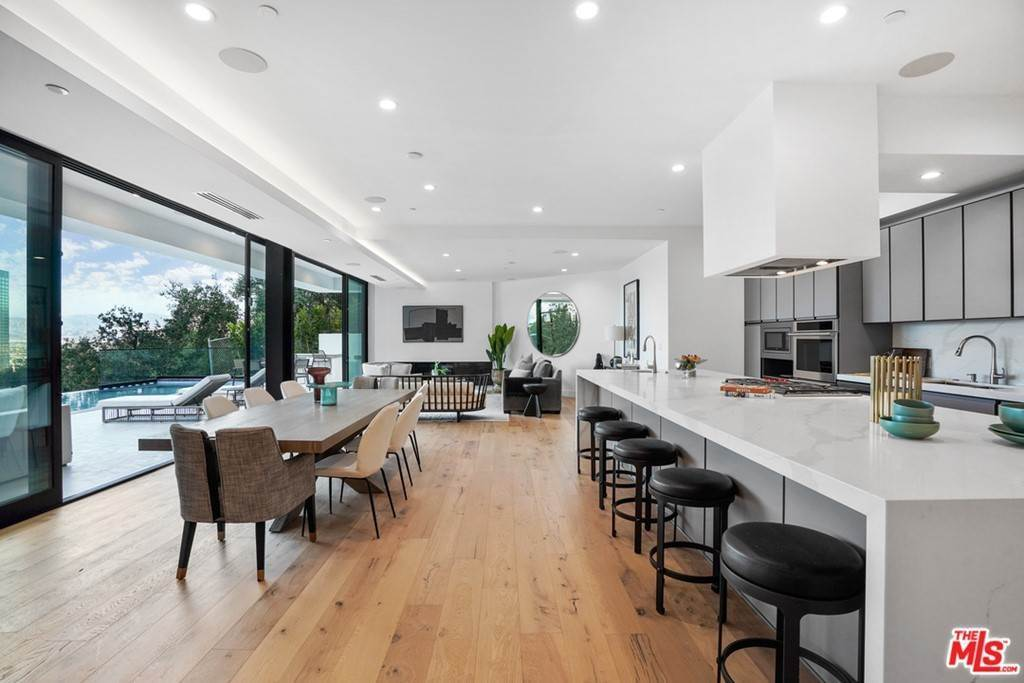 8. Residential for Sale at Multiview Drive Los Angeles, California 90068 United States