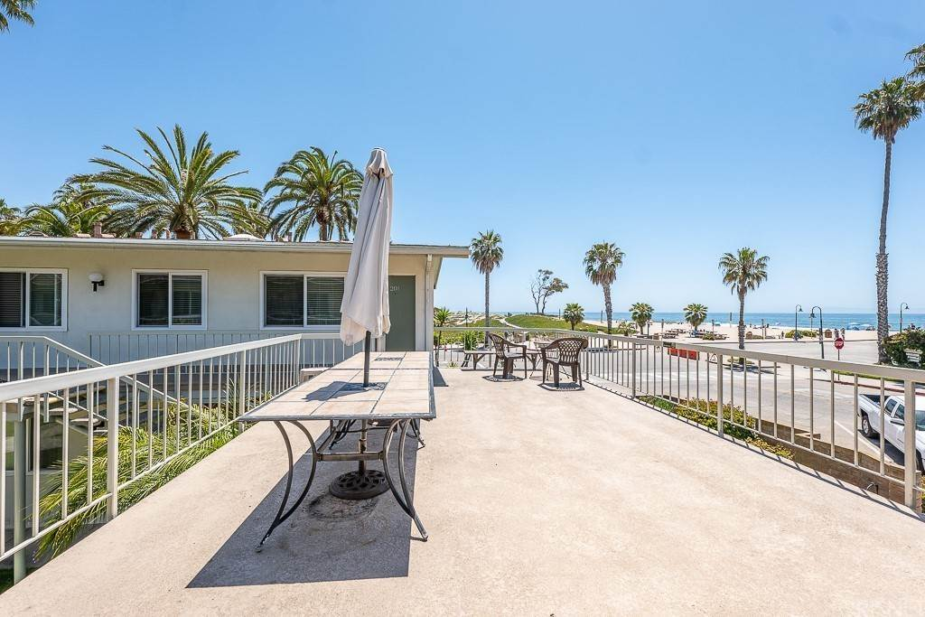 19. Residential for Sale at Sandyland Road Carpinteria, California 93013 United States