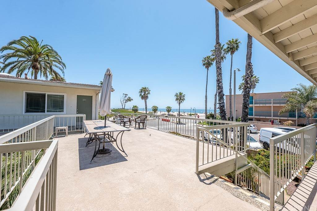 20. Residential for Sale at Sandyland Road Carpinteria, California 93013 United States