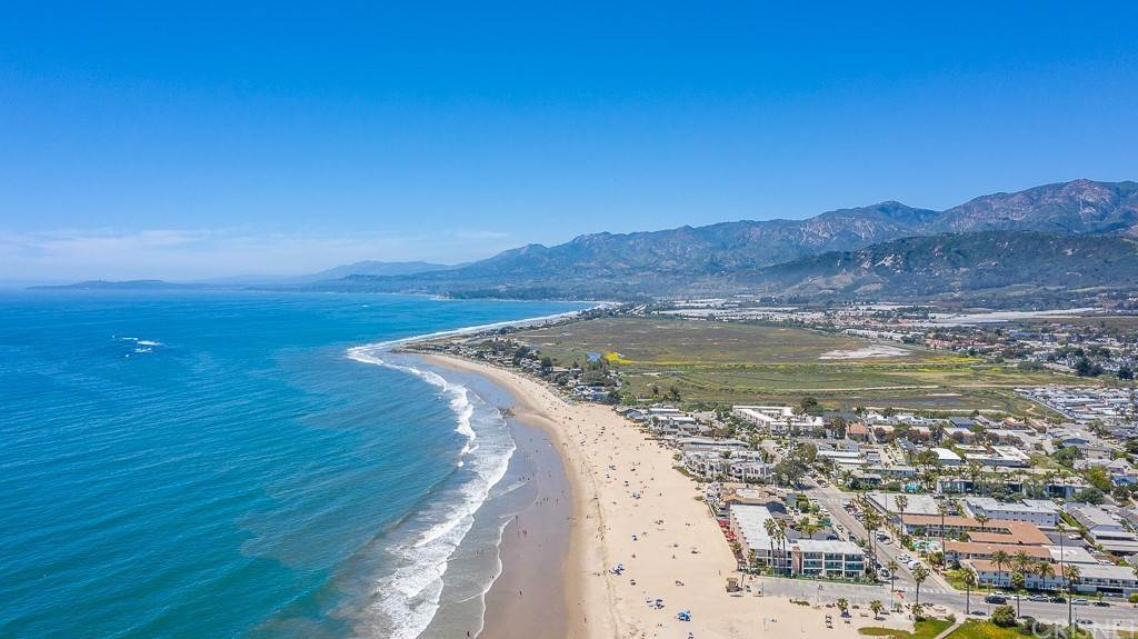 27. Residential for Sale at Sandyland Road Carpinteria, California 93013 United States