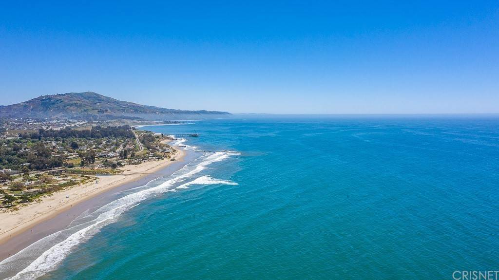 29. Residential for Sale at Sandyland Road Carpinteria, California 93013 United States
