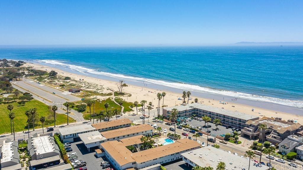 30. Residential for Sale at Sandyland Road Carpinteria, California 93013 United States