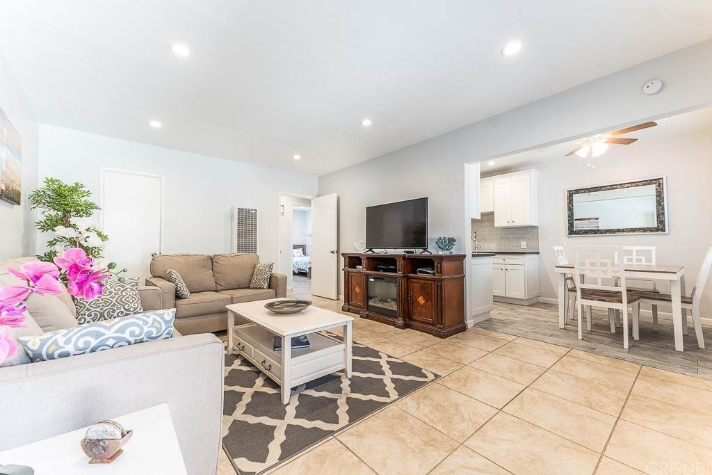 5. Residential for Sale at Sandyland Road Carpinteria, California 93013 United States