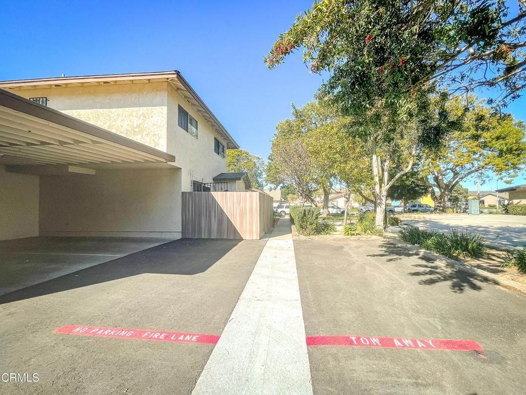 27. Residential for Sale at Cheyenne Way Oxnard, California 93033 United States