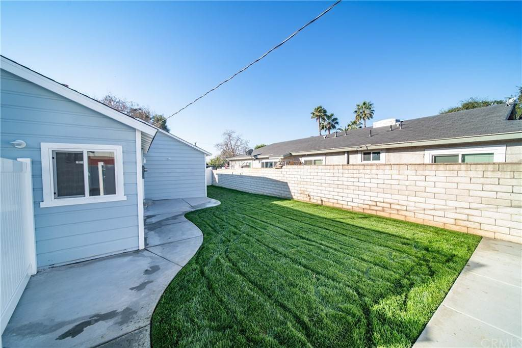 27. Residential for Sale at W 1st Street San Dimas, California 91773 United States