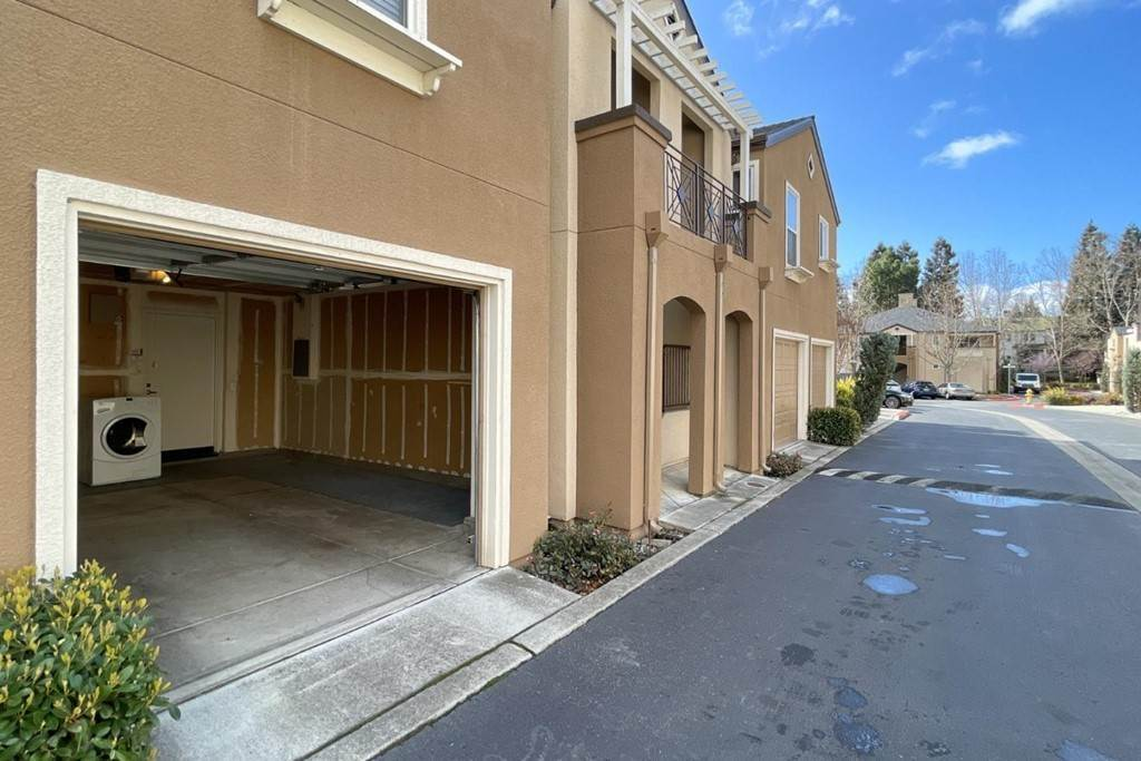 33. Residential for Sale at Encore Way San Jose, California 95134 United States
