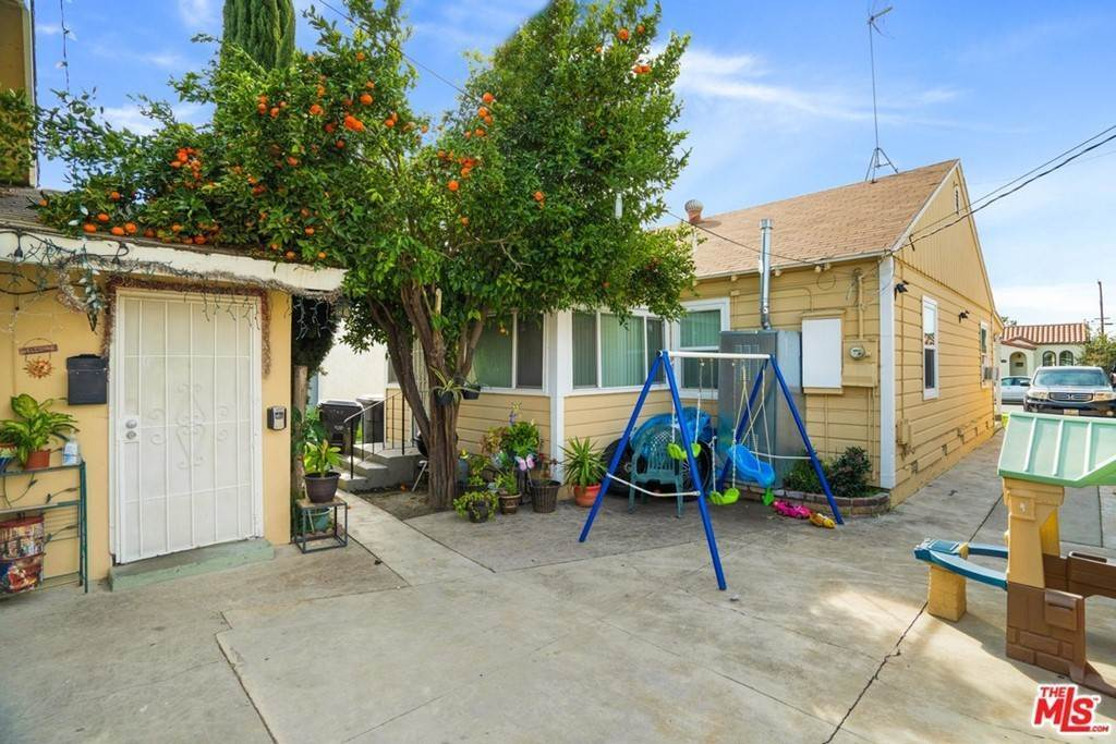 5. Residential Income for Sale at Olive Avenue Long Beach, California 90805 United States