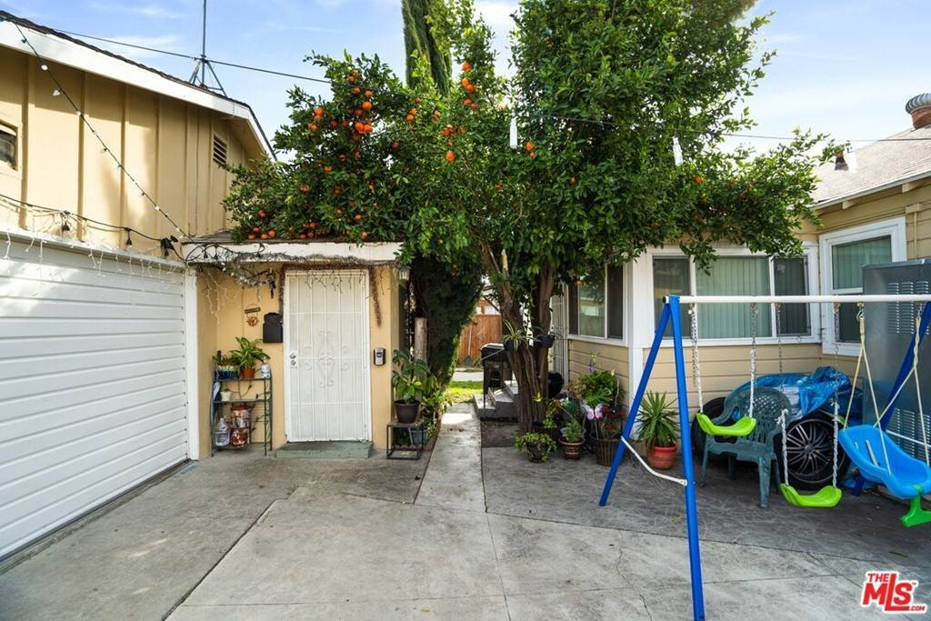 6. Residential Income for Sale at Olive Avenue Long Beach, California 90805 United States