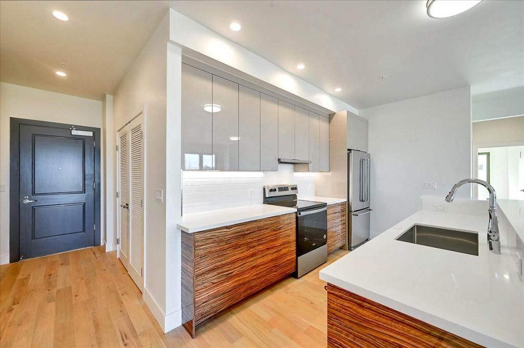 10. Residential for Sale at Wawona Street San Francisco, California 94116 United States