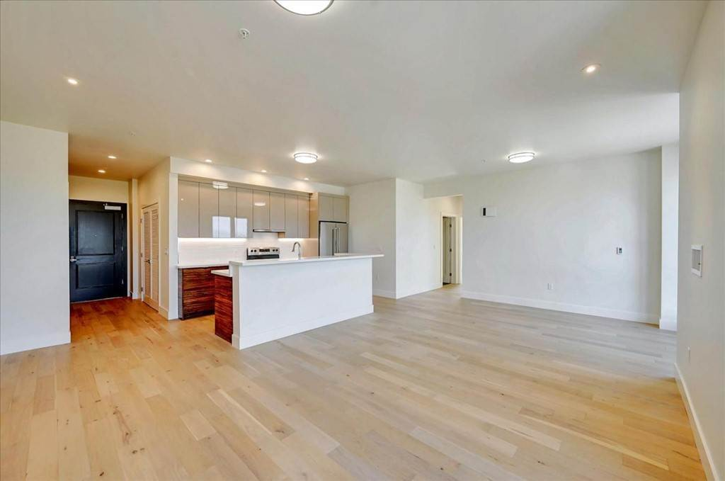 8. Residential for Sale at Wawona Street San Francisco, California 94116 United States