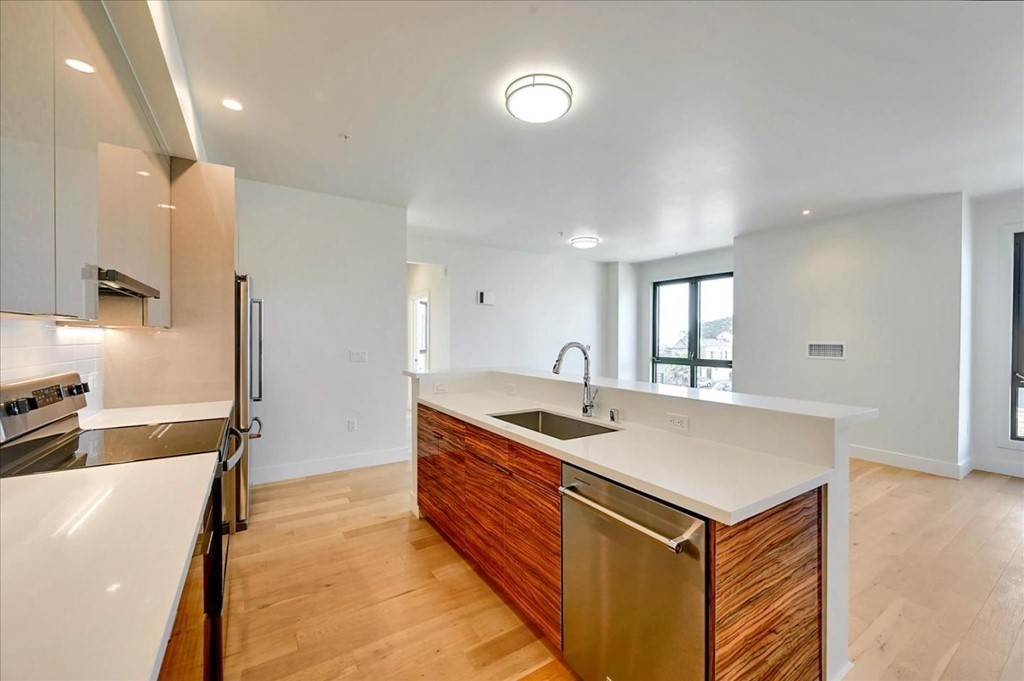9. Residential for Sale at Wawona Street San Francisco, California 94116 United States
