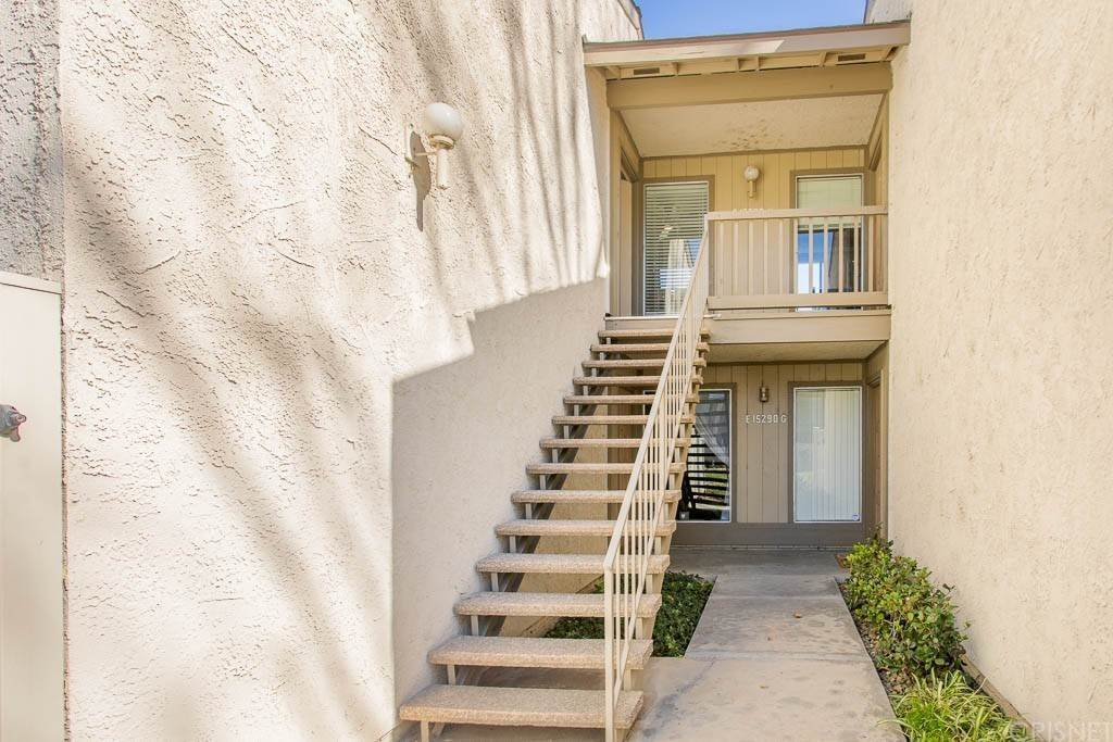 25. Residential for Sale at Campus Park Drive Moorpark, California 93021 United States